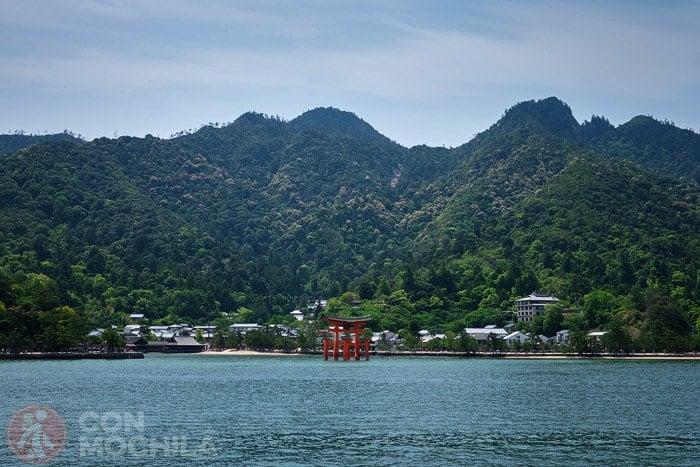 Vistas de Miyajima desde el ferri