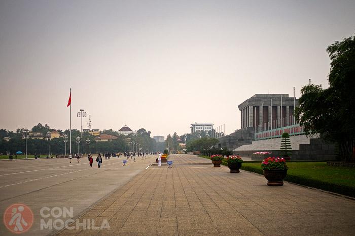 El gran parque donde se encuentra el mausoleo de Ho Chi Minh