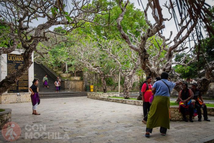 Escalinatas para subir al Uluwatu temple