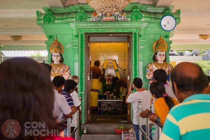 El templo en plena celebración
