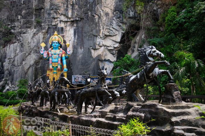 Entrada a la Ramayana Cave