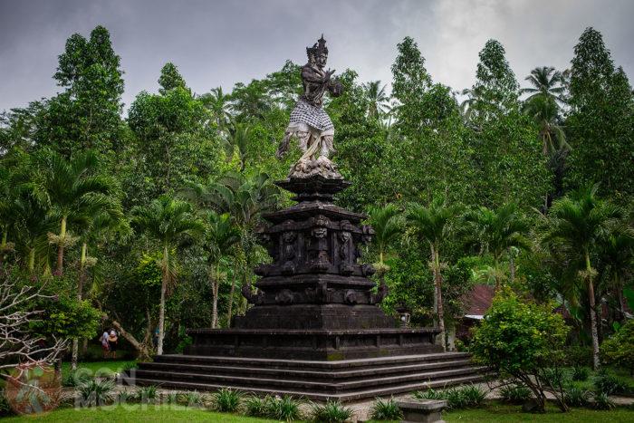 Estatua del dios Indra