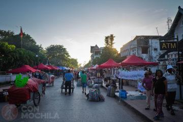 Pasear por Luang Prabang y disfrutar de su ambiente