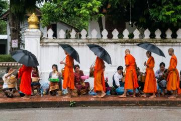 Desfile de monjes Luang Prabang