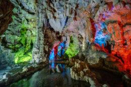 Guía de viaje Bahía de Halong Cueva Dau Go