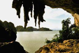 Guía de viaje Bahía de Halong Trong Cave