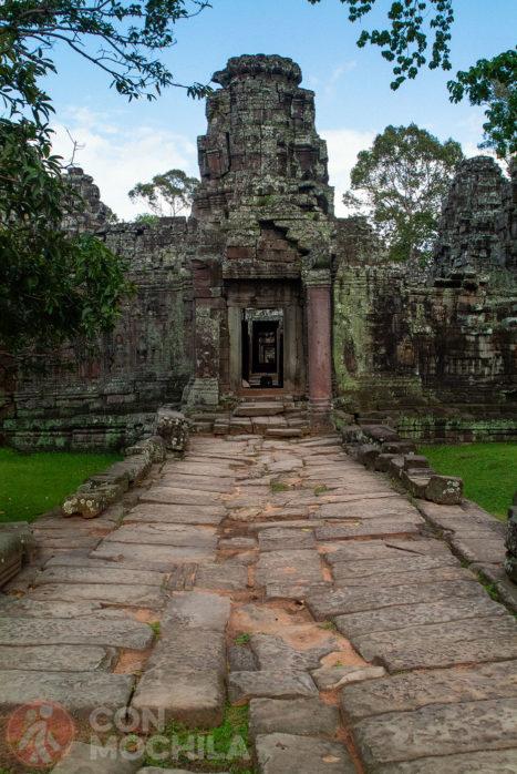El templo con las torres a los alrededores