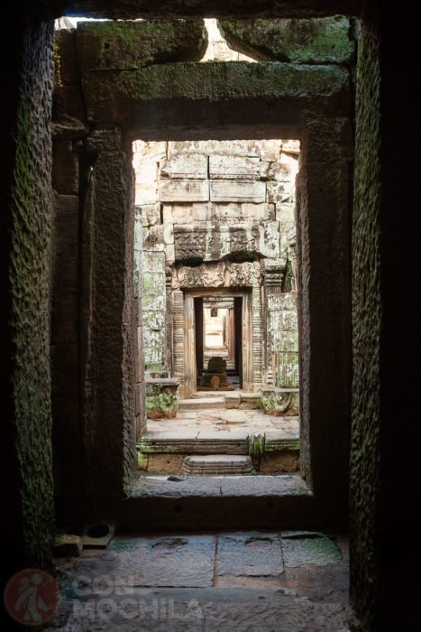 Vista del interior del pasillo que conduce a la galería