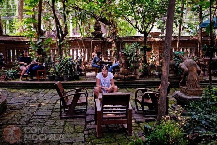 Cafetería en el centro de Chiang Mail