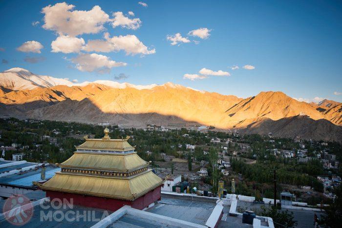 Vistas desde Shanti Stupa