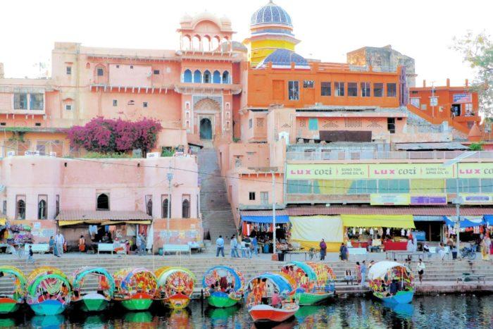 Chitrakut, templo y barcas Ramghat