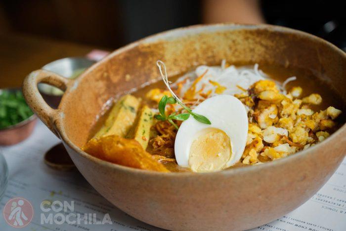 Mohinga (bol de noodles de arroz)