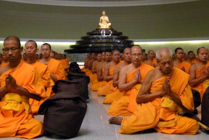 ordenación monjes budistas