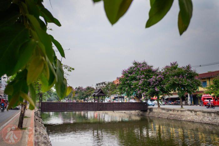 El canal que delimita el casco antiguo