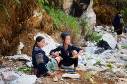 Dos chicas hmong