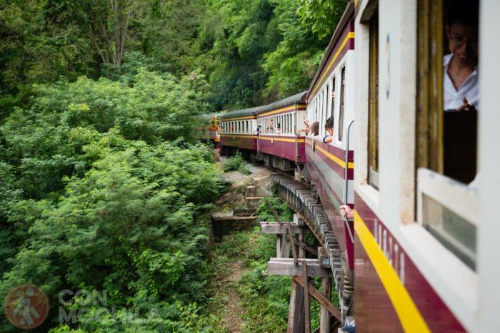El tren desde Bangkok a Nam Tok