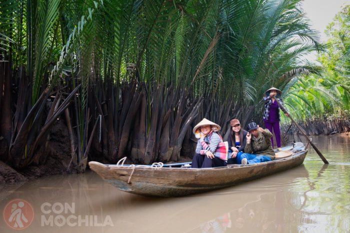 Turistas locales en el delta del Mekong