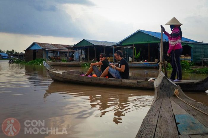 Paseo por los pueblos flotantes