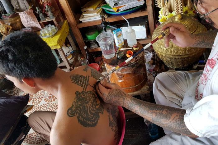 tatuaje mágico sakyant