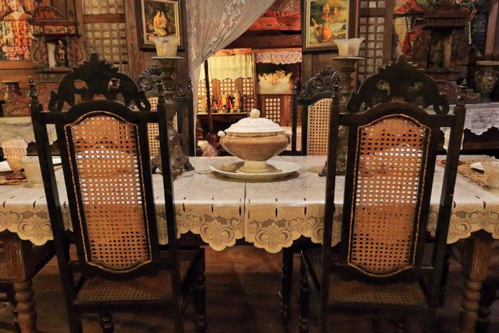 Casa de estilo filipino y colonial