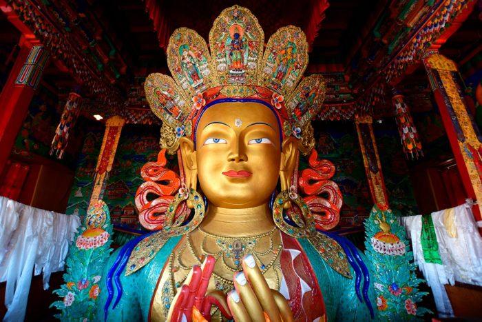 Estatua de Maitreya
