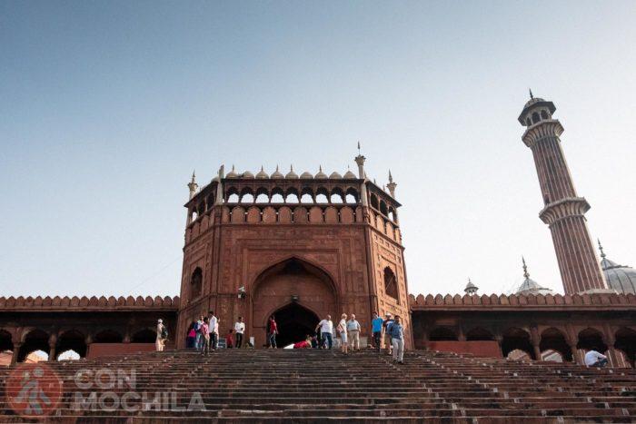 Una de las entradas de la mezquita