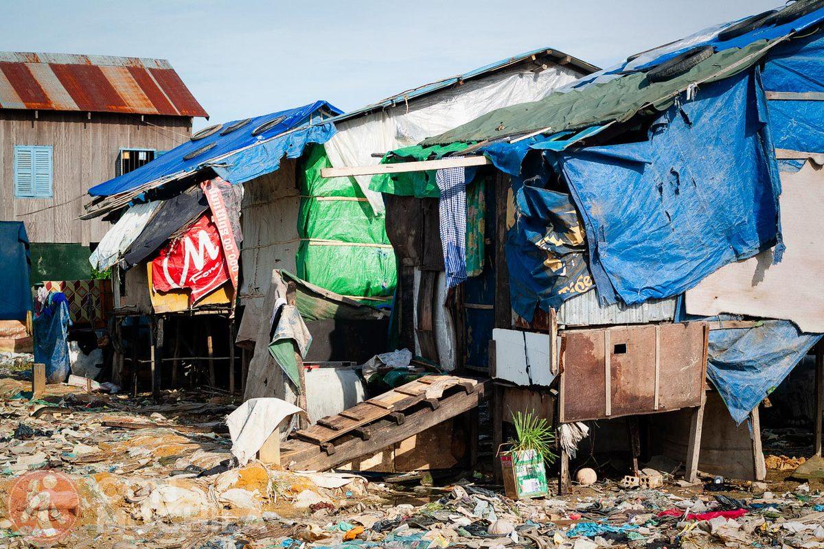 Barriada en un vertedero en Camboya