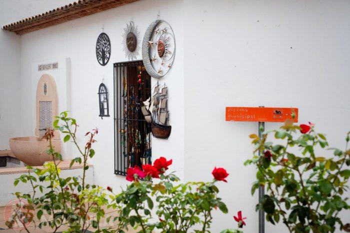 Detalles de la decoración del barrio