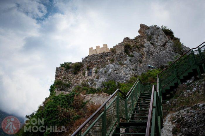 Entrada al castillo tras salir de la casa Orduña