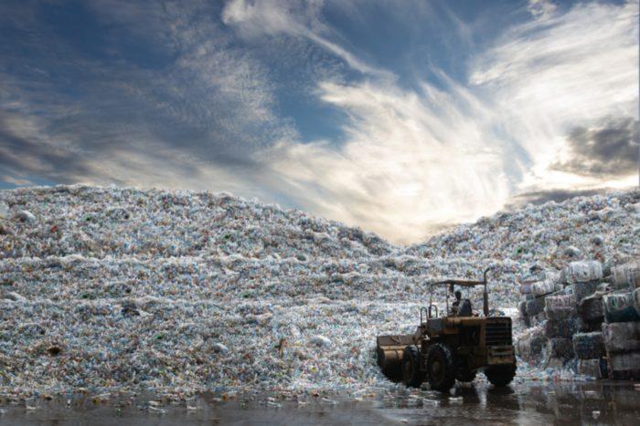 El comercio ilegal de residuos atraviesa fronteras.