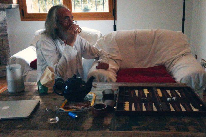 La crónica cósmica. Backgammon