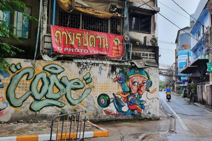 Pared recién decorada en el callejón 22 de Sukhumvit, en Bangkok.